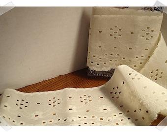 Lace Trim/ Light Beige /1 & 1/2 yards/ Craft Supplies (#30)*