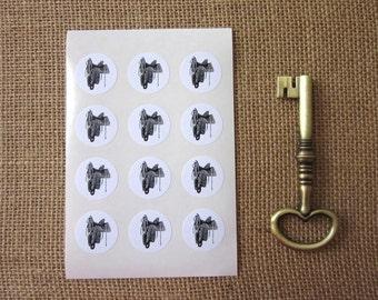 Saddle Stickers One Inch Round Seals