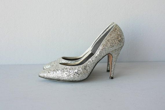 Vintage Silver Heels | Tsaa Heel