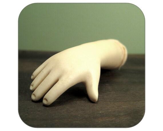 Plastic Doll Arm - Qty 1 - Lot 1086