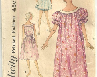 Simplicity 2566 Nightgown Panties sz small Vintage 1960s Pattern