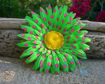 Daisy Flower Hair Clip-PREPPY POLKA DOTS-Flower Hair Clip, Floral Hair Clip, Daisy Hair, Green and PInk, Preppy Girl, Summer Fun Hair