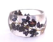 Size XL Botanical Resin Bangle.  Blue Pressed Flower  Bracelet.  Plus Size Bangle with Real Flowers - Bluebonnets.