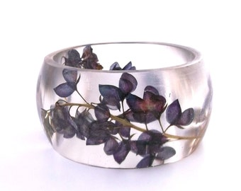 Size XL Botanical Resin Bangle.  Blue Pressed Flower  Bracelet.  Plus Size Bangle with Real Flowers - Bluebonnets.