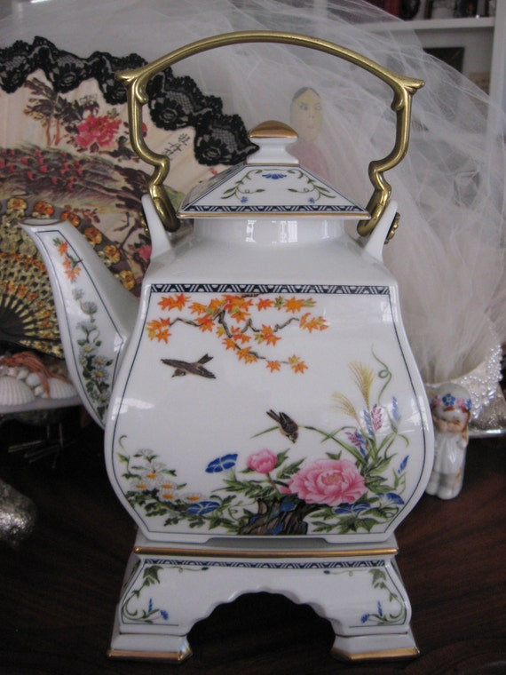 Vintage Japanese Teapot Fp Japan 1986 Era Porcelain Bird And
