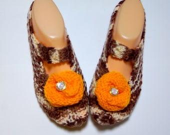 Slipper socks - warm coffee with orange flowers