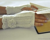 Fingerless Glove Wrist Warmer Gauntlet Ivory Cream