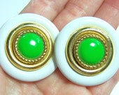 vintage large neon green, white and gold tone round pierced earrings CS513
