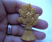 Vintage Sheaf of wheat brooch pin, appears to be Bakelite or celluloid, some type of old plastic