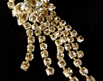 Amazing glass rhinestone Diamante  brooch - 1950s vintage brooch, Italian, a cascade of white light- sparkle and retro style--art.513/2 -