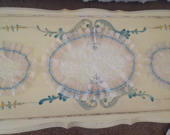 Beautiful Set Of Three Vintage Lace Doilies In Cream White And Light Blue
