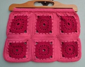 Vintage 1940s 1950s Hand-Crocheted Bag Purse Handbag Wool Granny Squares Pink Knitting Bag  40s 50s Handmade Woolen WoollenTote