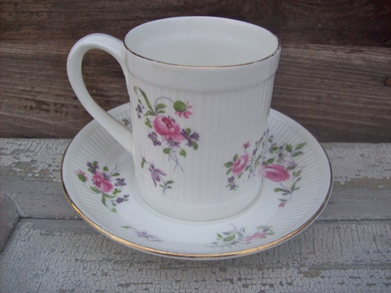 Fine Bone China Tea Cup Staffordshire England