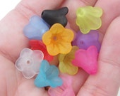 200 Flower beads acrylic plastic mixed colours