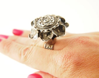 Parisian Flower Ring - Sterling Silver - Vintage