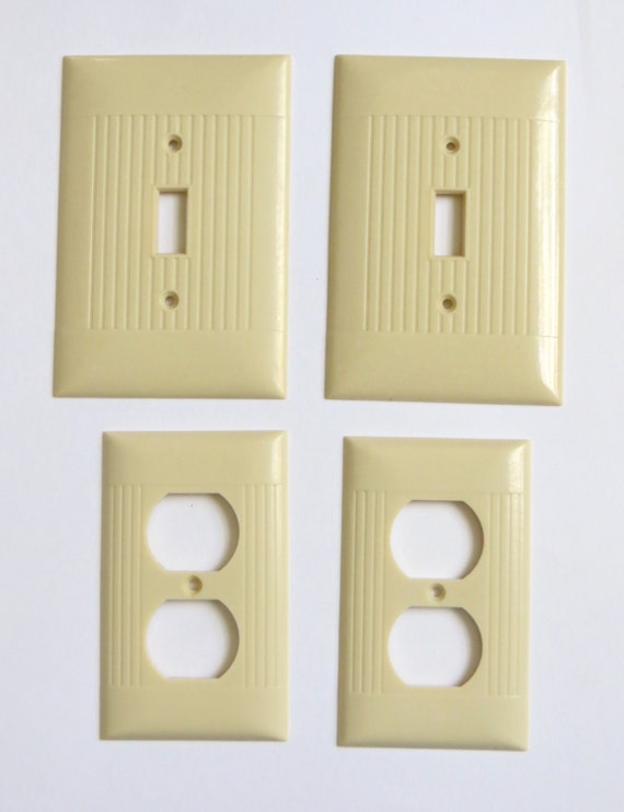Vintage bakelite ribbed switch plate outlet covers ivory lot for Lighthouse switch plates