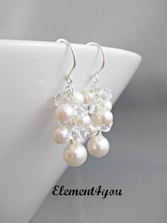 Pearl cluster Bridal Earrings. Crystal Pearl Earrings. Wedding Earrings. Grape cluster drop Earrings. Wedding Jewellery, Pearl Earrings