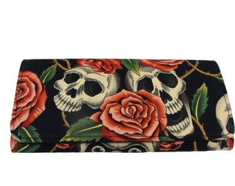 BIFOLD Woman wallet  Skulls  and Roses Wallet US Handmade  Wallet