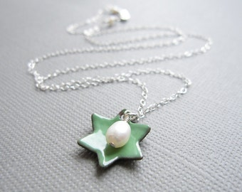 Green Star of David Jewish Necklace Enamel White Pearl Sterling Silver