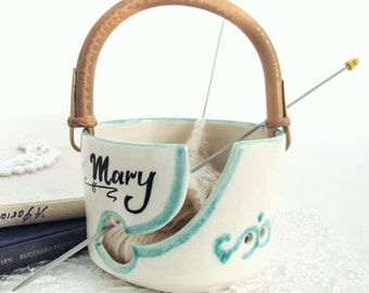 White ceramic Yarn Bowl, Any name, MOM, Large Personalized Pottery knitting Bowl, Wheel thrown Handle, blueroompottery