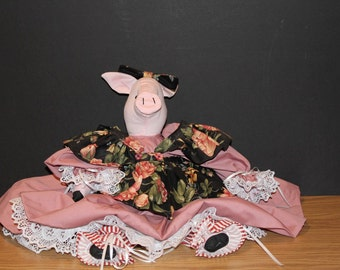 Missy Piggy Goes a Courtin'