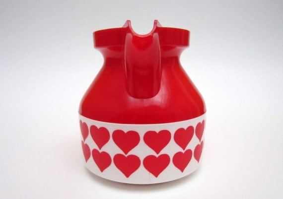 Small lovely vintage red and white MILK JUG decorated with HEARTS