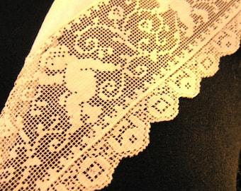 Vintage Fine Needlepoint Ivory Lace Cherub Victorian Collar, Exquisite