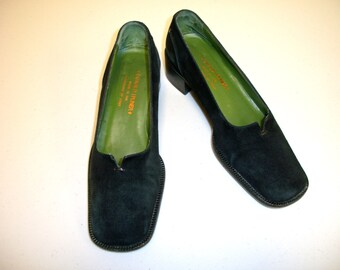Donald Pliner Black Suede Low Heel Pumps Loafers Size 6 M