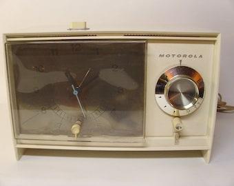 Vintage 1960's Motorola Clock Radio