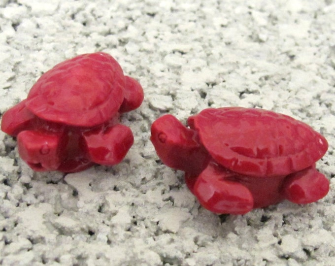Carved sea turtle reconstituted red coral beads - 1 bead - GM083