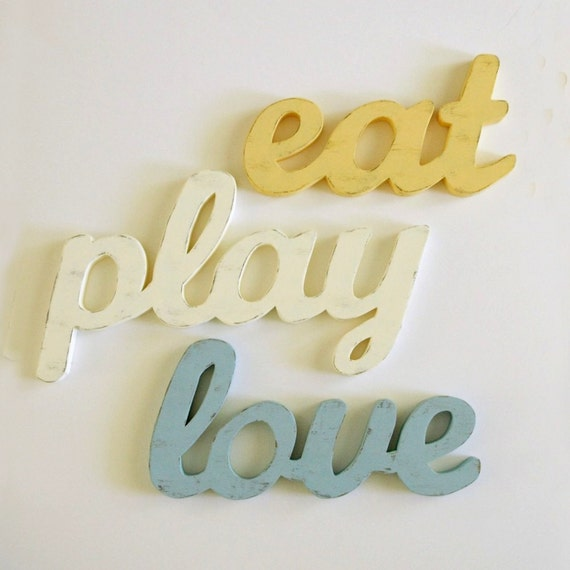 Eat sign play sign love sign kitchen decor cottage style for Kitchen letters decoration