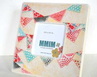 Pretty Bunting Picture Frame