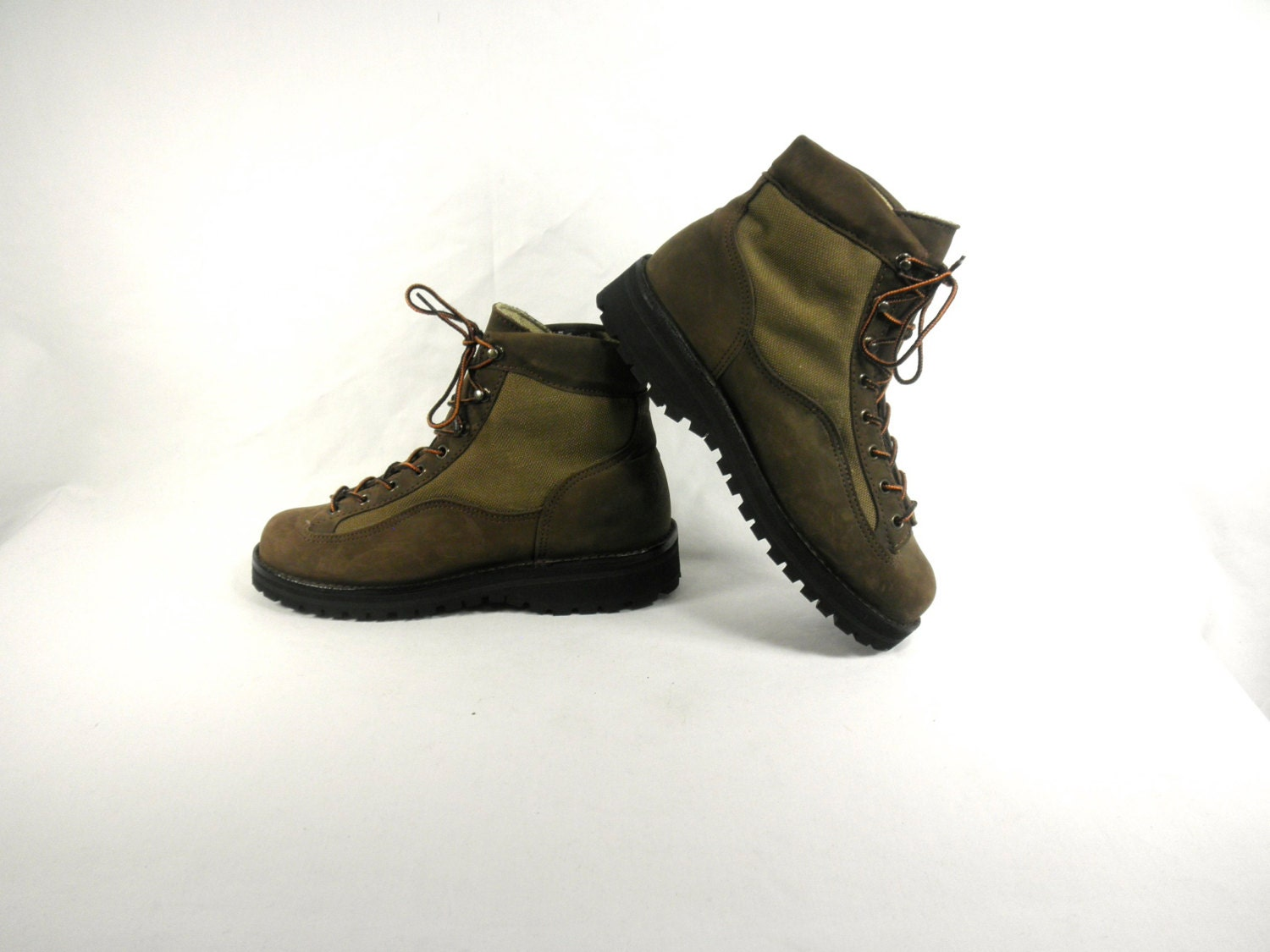 danner mountain light ii nubuck hiking boots with vibram soles. Black Bedroom Furniture Sets. Home Design Ideas