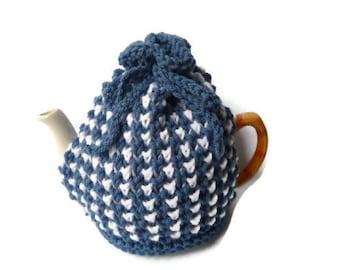 tea cozy cosie blue and white