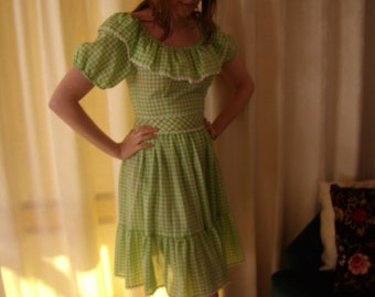 1970s Sweet Green and White Gingham Dress
