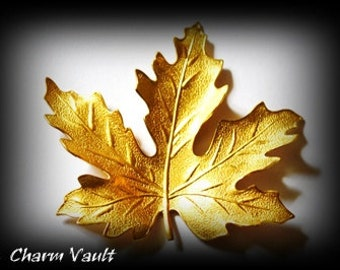 1 Maple Leaf Pendants Raw Brass Charms Stamping Embellishment Ornament Jewelry Findings (167)