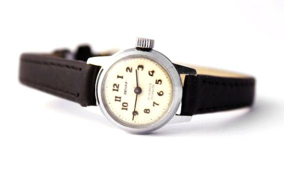 Vintage Ladies Semag Swiss wristwatch ladies watch