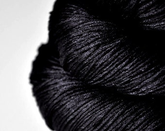 Black hole - Silk Fingering Yarn - Knotty skein