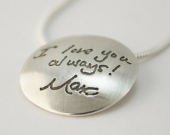Circular Pendant Personalized with Handwriting