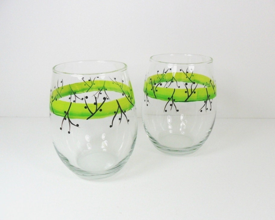 Stemless wine glasses hand painted wine by paintingbyelaine for Painted stemless wine glasses