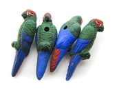 4 Large Parrot Beads - Green - LG312
