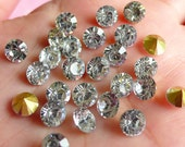 6mm SS28 Resin Rhinestones (Tip End / Pointed Back / Clear / Around 25 pcs) Round Faceted Cut Round Rhinestones RHE034