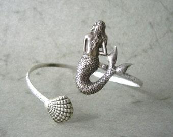 mermaid bracelet with a shell, wrap jewelry, animal bracelet, charm bracelet, bangle