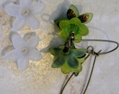 THIRTY Frosted Clear Lucite Acrylic 5 Petal Star Flower Cap Bead 17mm