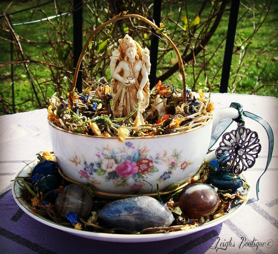 Vishnu Hindu God Retro Vintage Teacup Altar Shrine Statuary