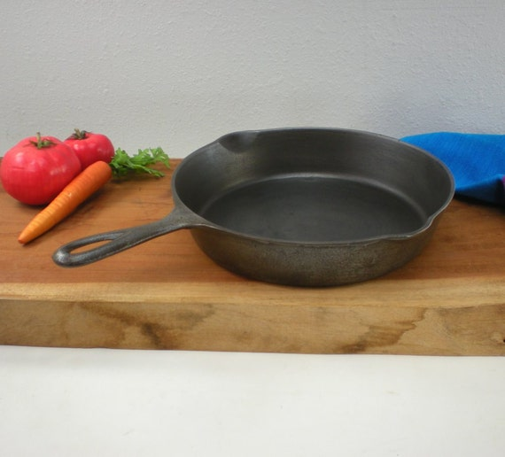 Puritan Griswold No 8 Cast Iron Fry Pan Skillet By