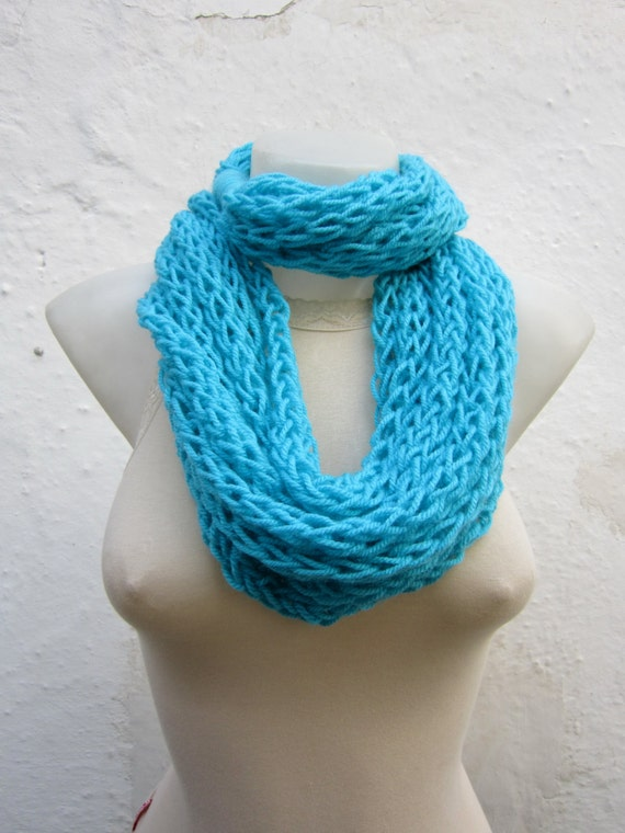 Finger Knitting Scarves : Infinity scarf finger knitting blue turquoise by