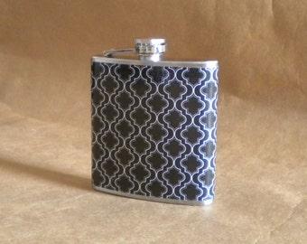 Black and White Quatrefoil Print 6 ounce Stainless Steel Girl Gift Flask KR2D 6495