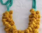 Wool statement necklace