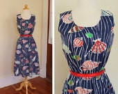 DARLING 1940's Style Rich Colors Cotton Hourglass Sun Dress w Fabulous Sea Shells Novelty Print - Belt - Patch Front Pockets - Size M to L